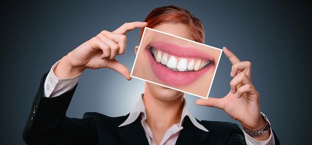 filo interdentale ed idropulsore dentale